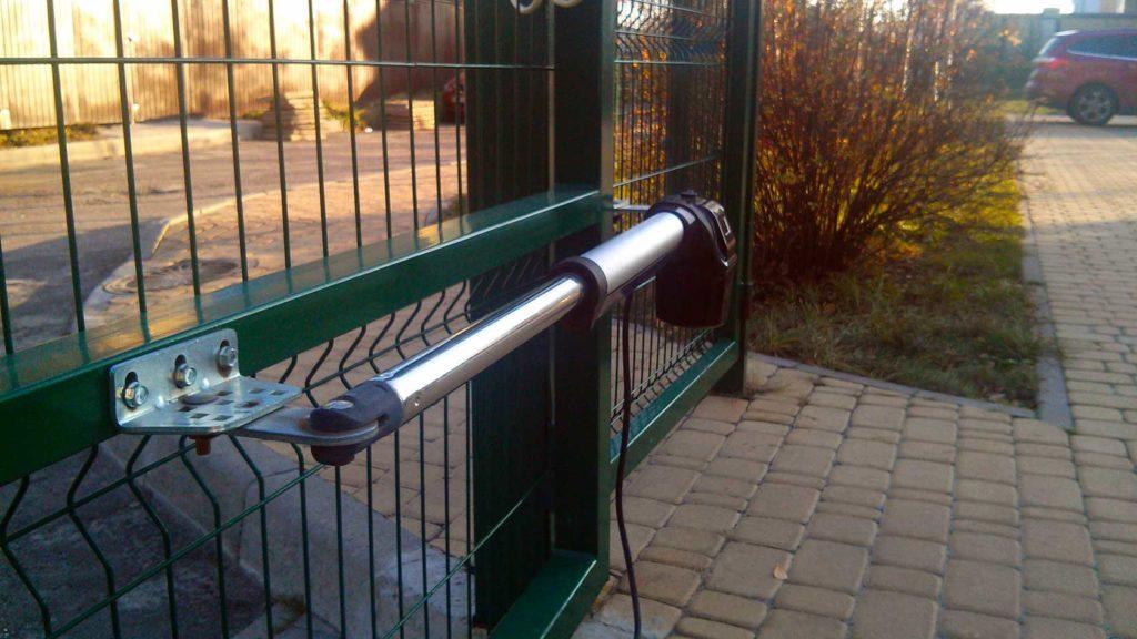 Въездные ворота с автоматической системой открывания