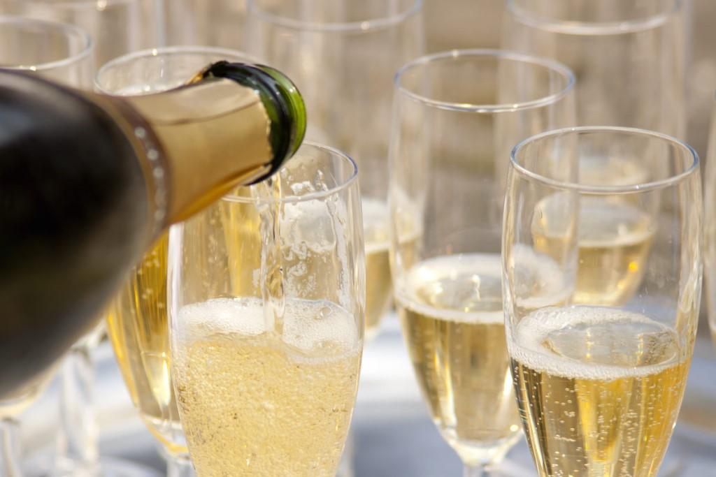 Как выбрать качественное игристое вино?